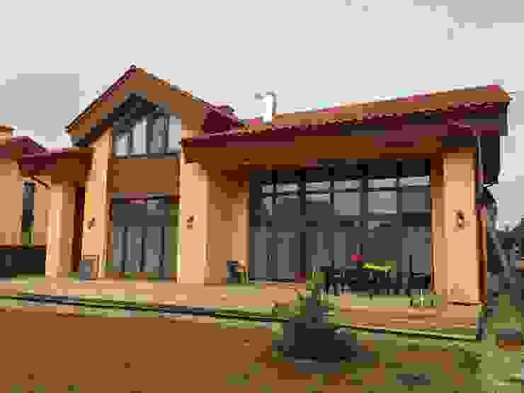 by Деревянные окна 'SKANDI OKNA' Modern Solid Wood Multicolored
