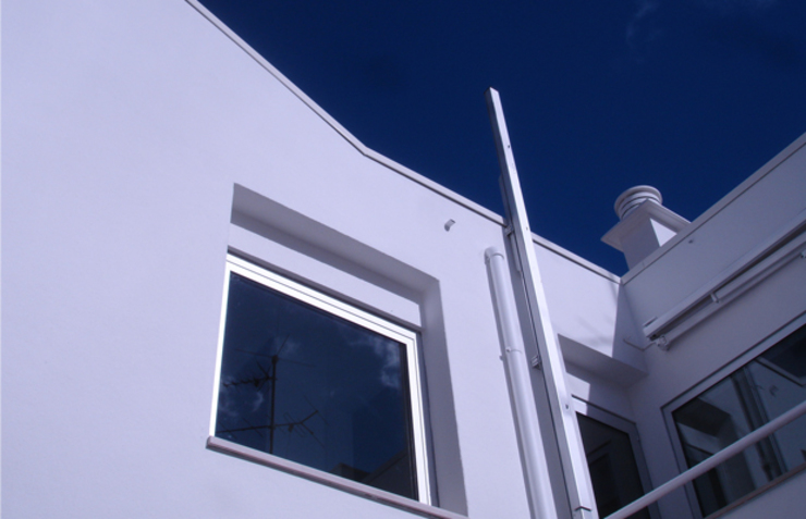 Casas de estilo minimalista de Triplinfinito arquitetura, design e vídeo Lda Minimalista