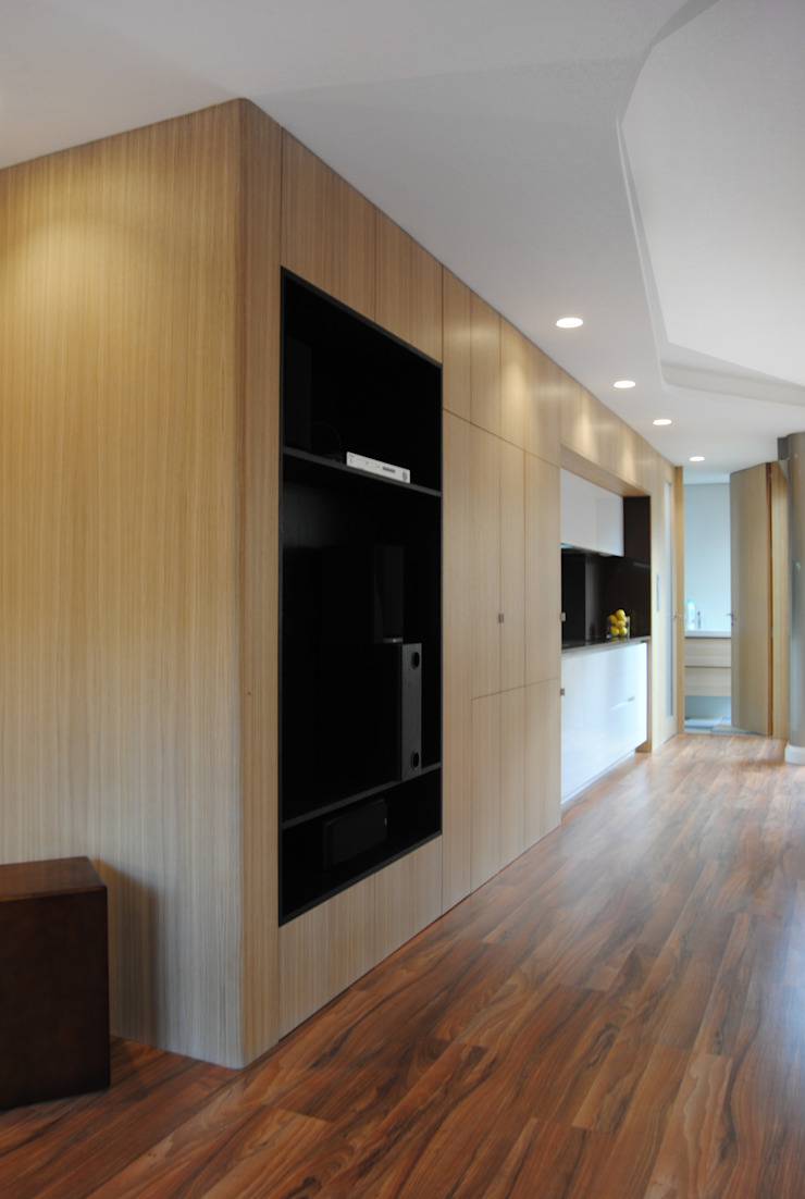Cocina lineal de Loft 26 Moderno Madera Acabado en madera