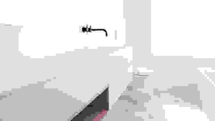 Studio Doccia Baños de estilo minimalista Azulejos Gris