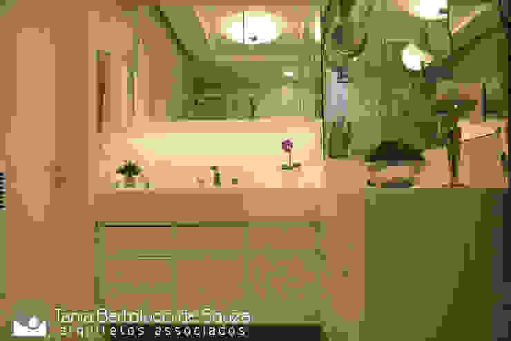 Tania Bertolucci de Souza | Arquitetos Associados ห้องน้ำ