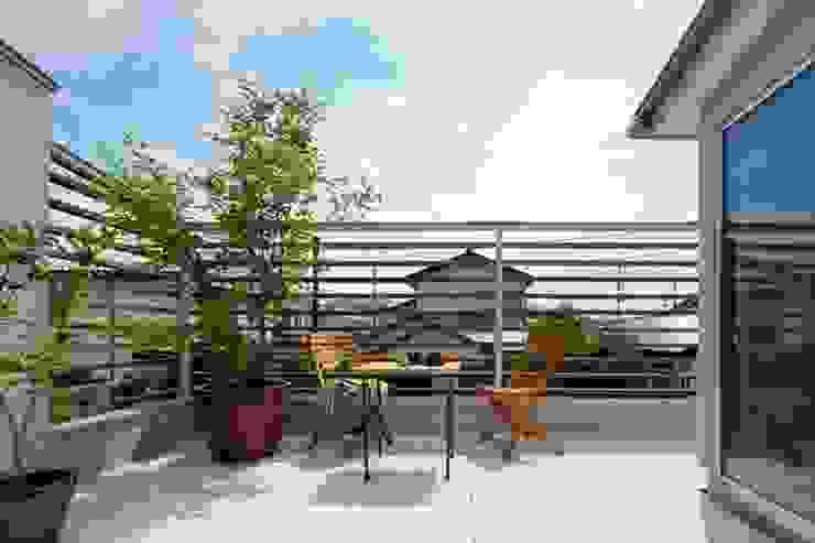南町の家 モダンデザインの テラス の arc-d モダン