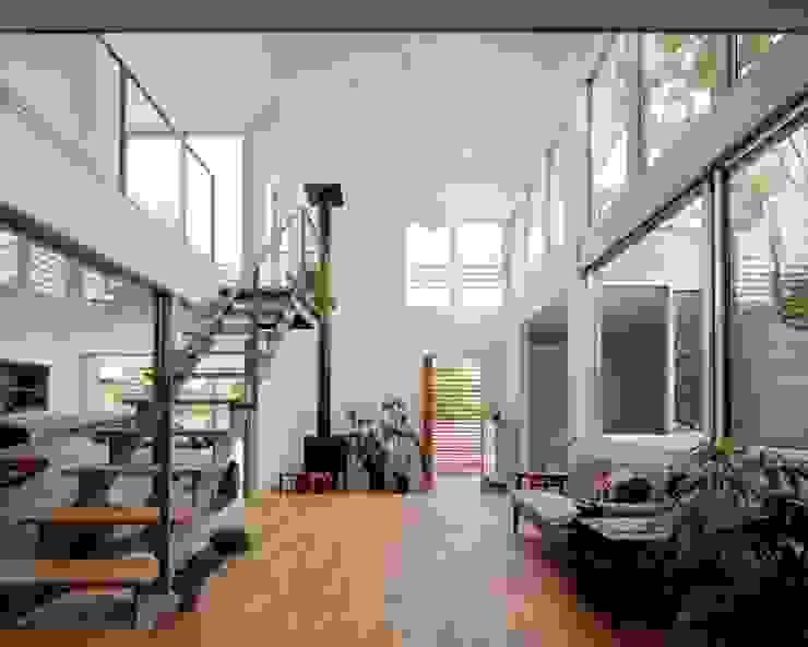 南町の家 モダンデザインの リビング の arc-d モダン