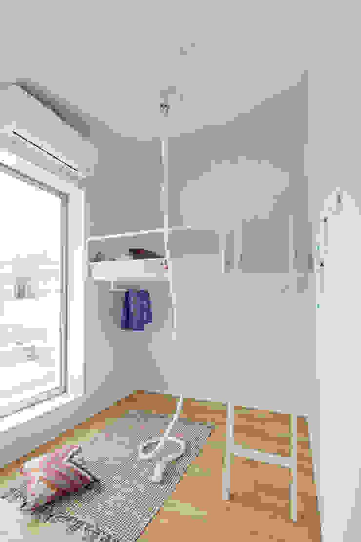 南町の家 モダンデザインの 子供部屋 の arc-d モダン