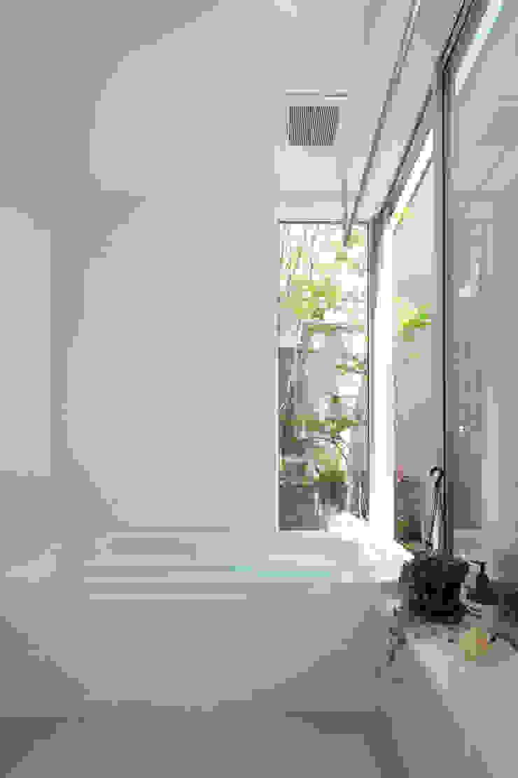 南町の家 モダンスタイルの お風呂 の arc-d モダン