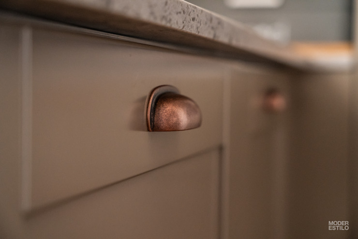 Moderestilo - Cozinhas e equipamentos Lda KitchenBench tops Brown