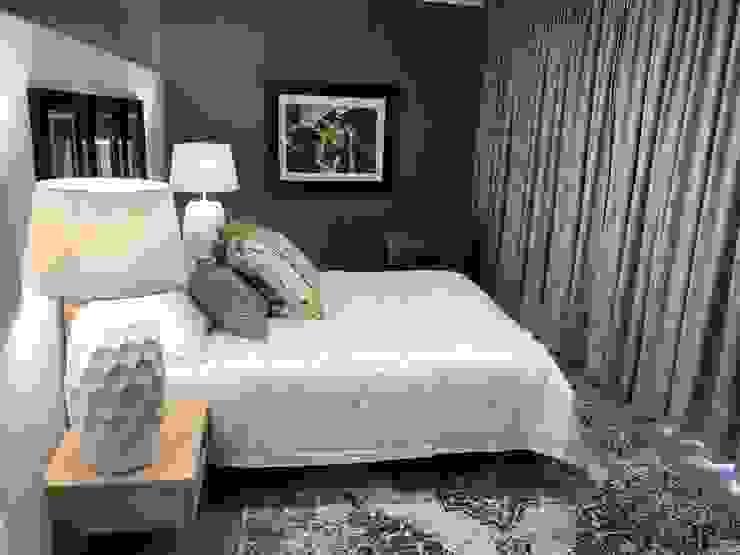 Main bedroom Eclectic style bedroom by Lean van der Merwe Interiors Eclectic