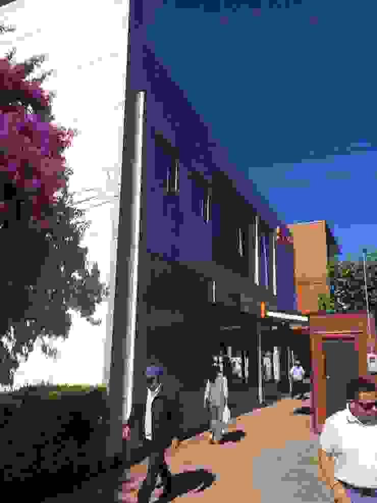 Centro Comercial Coprofor en Arauco de Riveros Bassaletti Arquitecto+asociados Mediterráneo