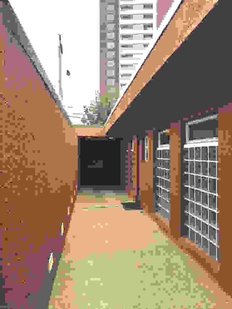 Iglesia Evangelica Armada Chile Oficinas y bibliotecas de estilo moderno de Decosuelos Moderno Concreto