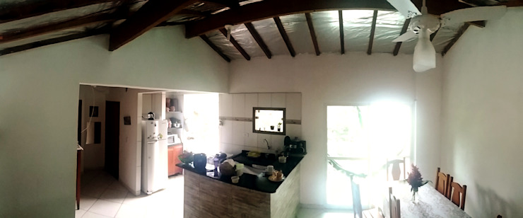 Modern kitchen by Oria Arquitetura & Construções Modern