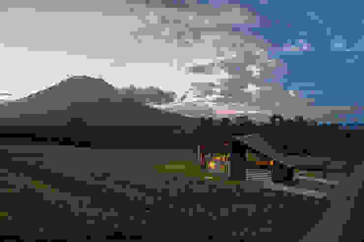 TSUBASA: ヒココニシアーキテクチュア株式会社が手掛けた別荘です。