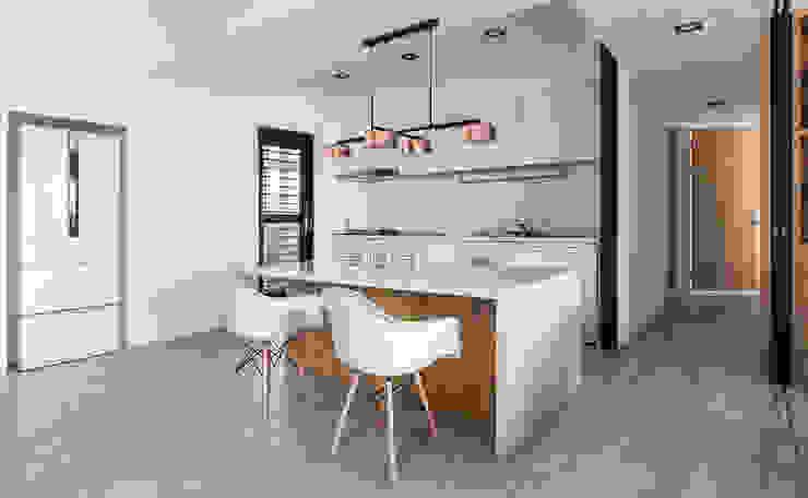 Cuisine moderne par 京彩室內設計裝修工程公司 Moderne