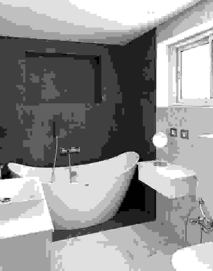 Villa C. B.A-Studio Mediterranean style bathrooms