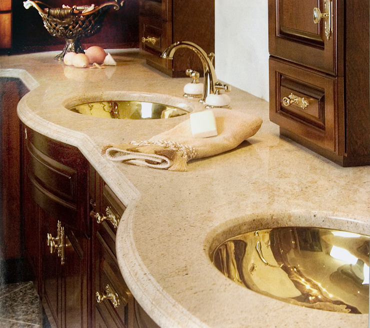 Luxurious Home Classic style bathroom by MARIE-LISE BARON DESIGN Classic
