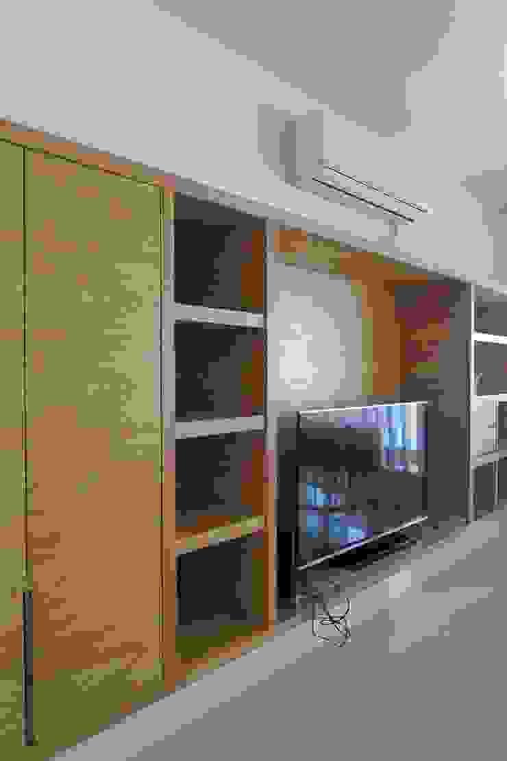 一字氣派電視主牆(櫃) 根據 鄒迷藏設計|人衣人兒工作室 隨意取材風