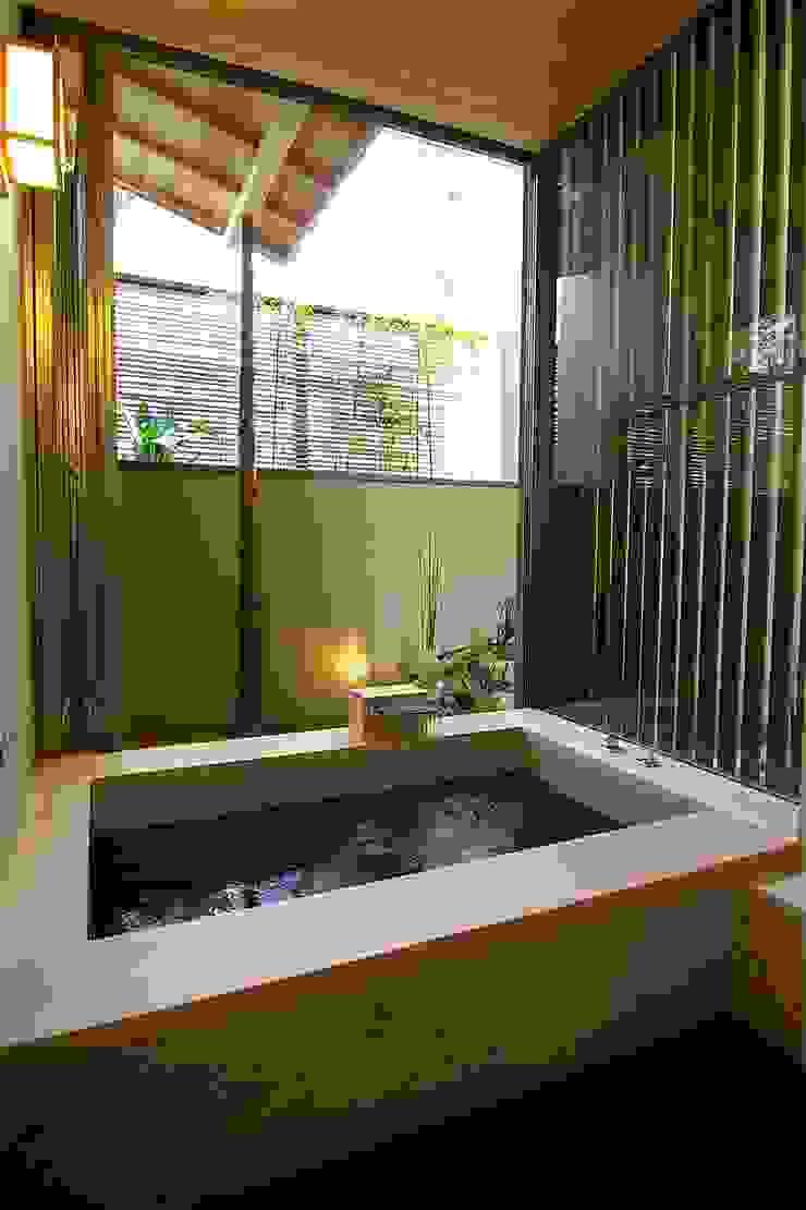浴室 Sデザイン設計一級建築士事務所 オリジナルスタイルの お風呂 木 ベージュ