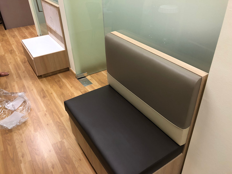 Benches: modern  by Window Essentials,Modern Fake Leather Metallic/Silver