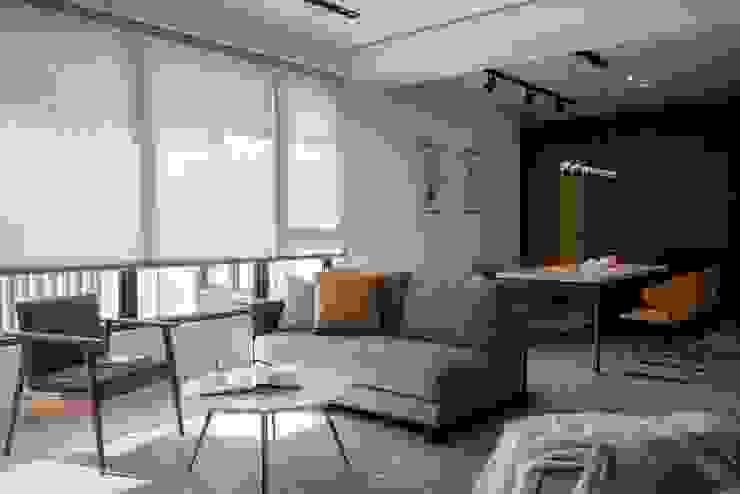 訂製沙發 现代客厅設計點子、靈感 & 圖片 根據 極簡室內設計 Simple Design Studio 現代風