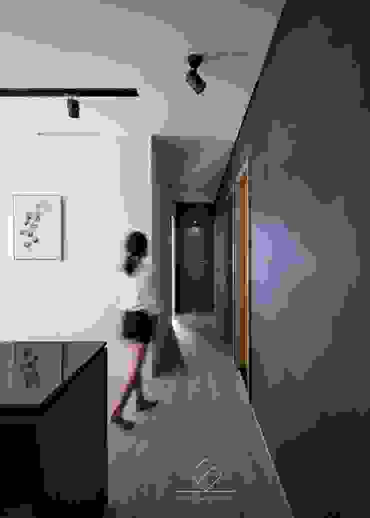 走道 現代風玄關、走廊與階梯 根據 極簡室內設計 Simple Design Studio 現代風