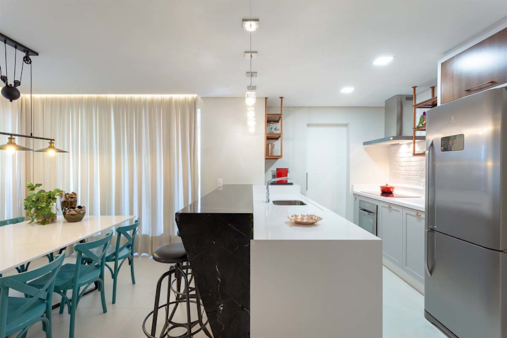 Living integrado - sala de jantar e cozinha Panorama Arquitetura & Interiores Cozinhas ecléticas