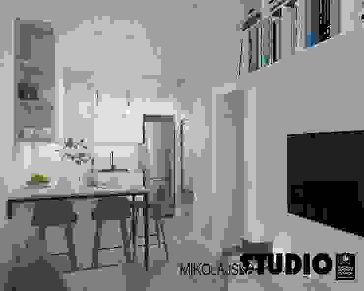 Scandinavian style living room by MIKOŁAJSKAstudio Scandinavian