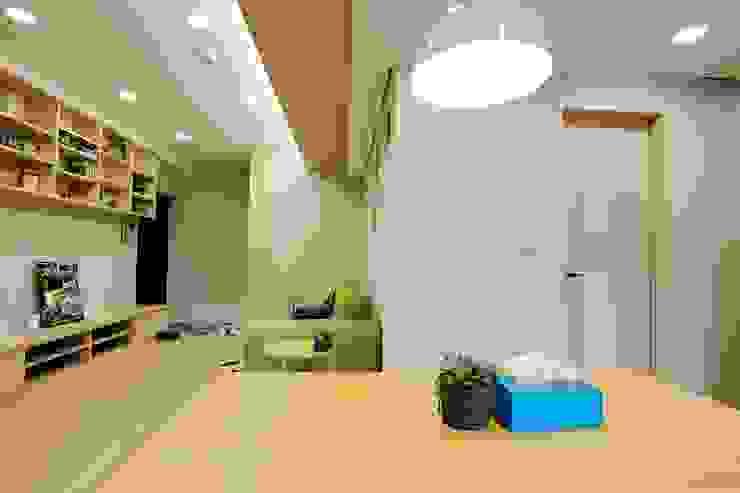 廚房、餐廳、書房、客廳都湊在一塊的熱鬧生活 青築制作 餐廳