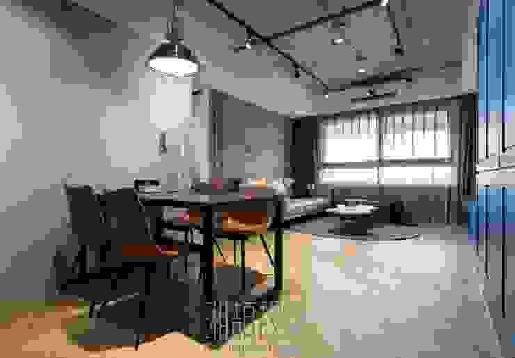 開放式餐廳與客廳空間 Industrial style dining room by 湘頡設計 Industrial Bricks
