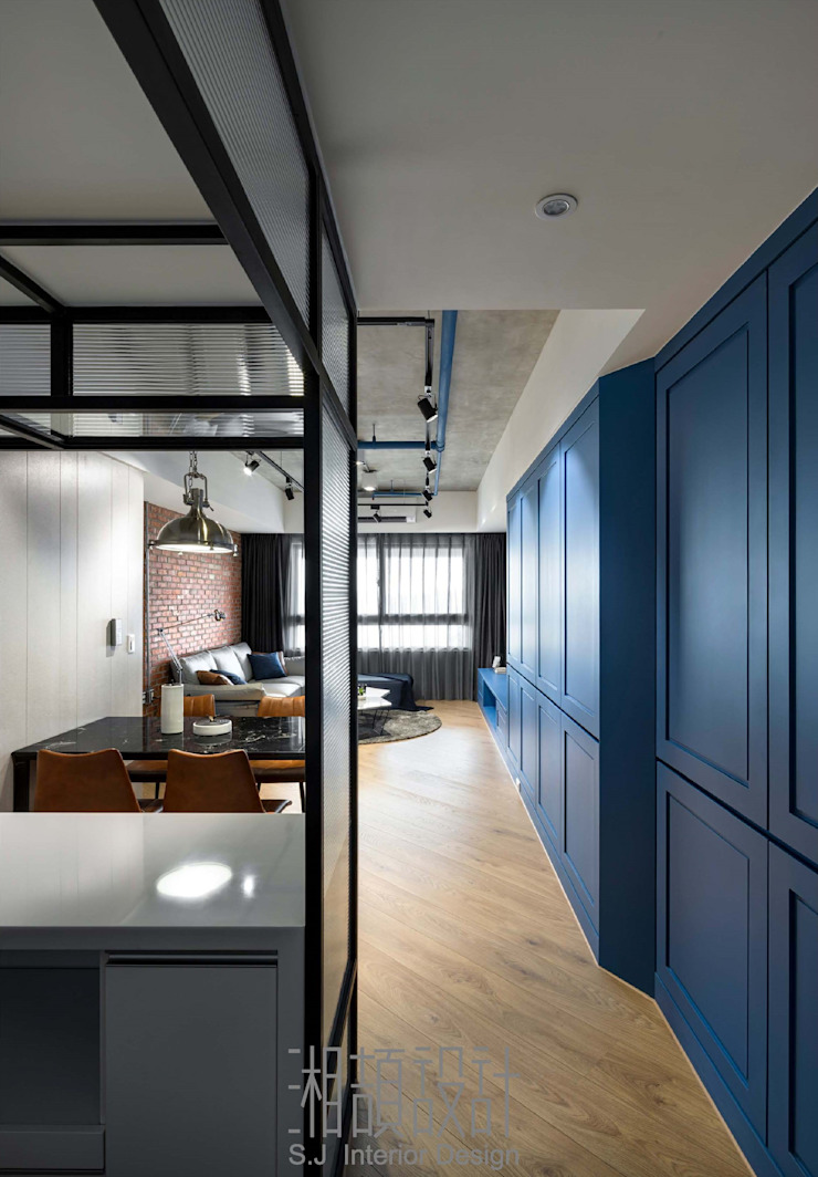L 型鐵件屏風的廚房空間 by 湘頡設計 Industrial Iron/Steel