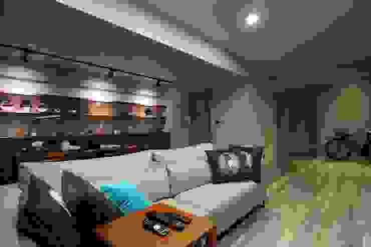 不拖泥帶水的寧靜感住所 青築制作 客廳