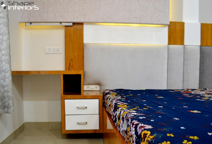 Study table with bedside tables Shape Interiors BedroomBedside tables Engineered Wood Grey