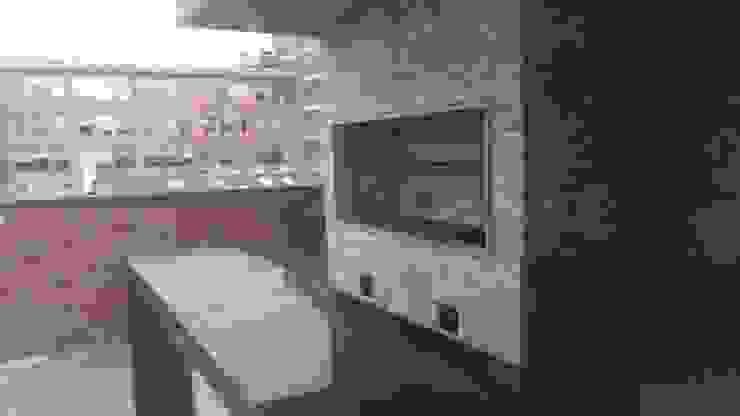 TERRAZA BBQ (FINALIZACIÓN) Balcones y terrazas de estilo moderno de Plano 13 Moderno