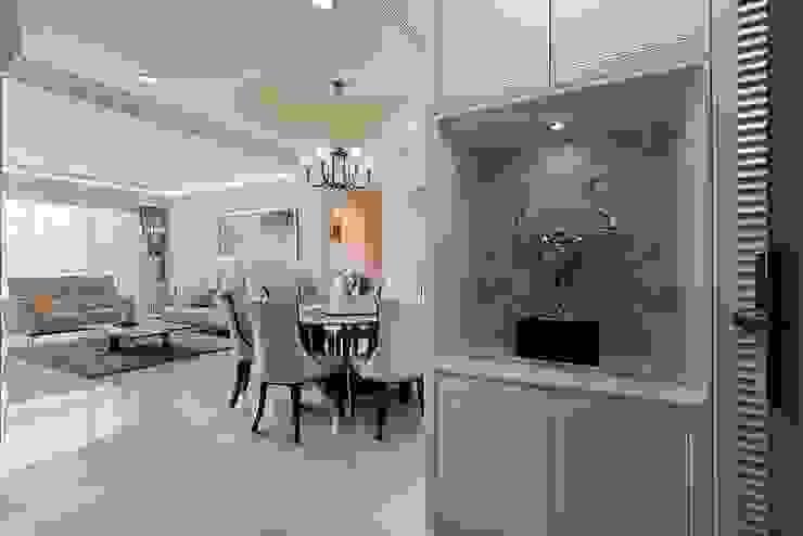 序幕 經典風格的走廊,走廊和樓梯 根據 趙玲室內設計 古典風