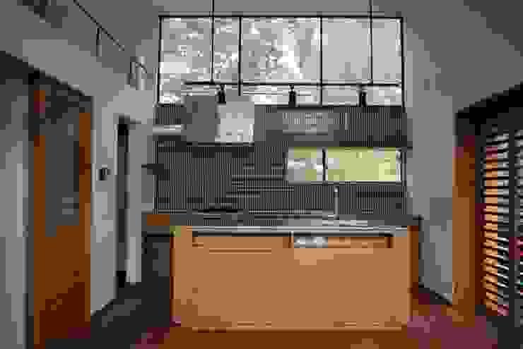 Kitchen by 注文家具屋 フリーハンドイマイ, Scandinavian Wood Wood effect