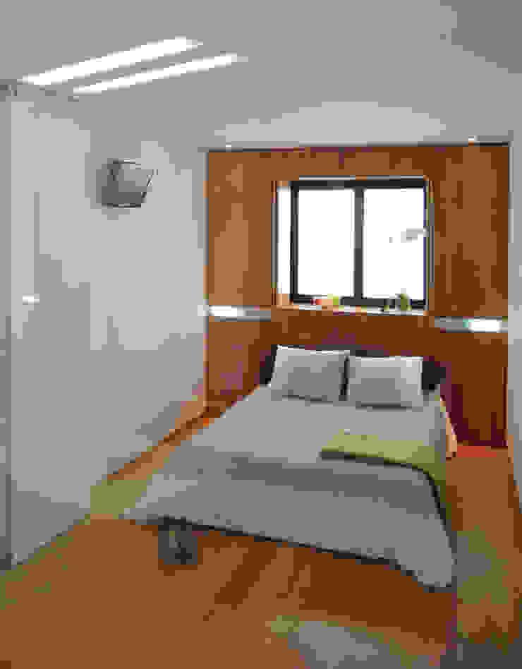 LOFT 53 Dormitorios de estilo minimalista de Loft 26 Minimalista Bambú Verde