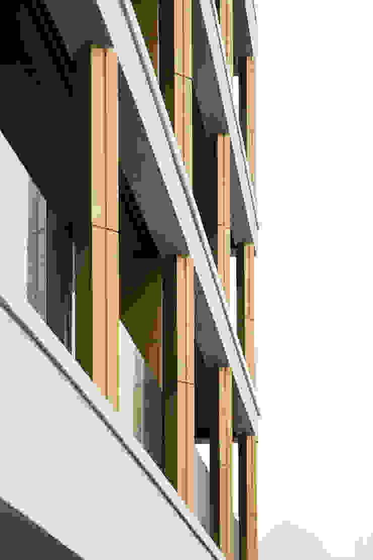 바다를 향한 테라스 by 에이오에이 아키텍츠 건축사사무소 (aoa architects) 모던 알루미늄 / 아연