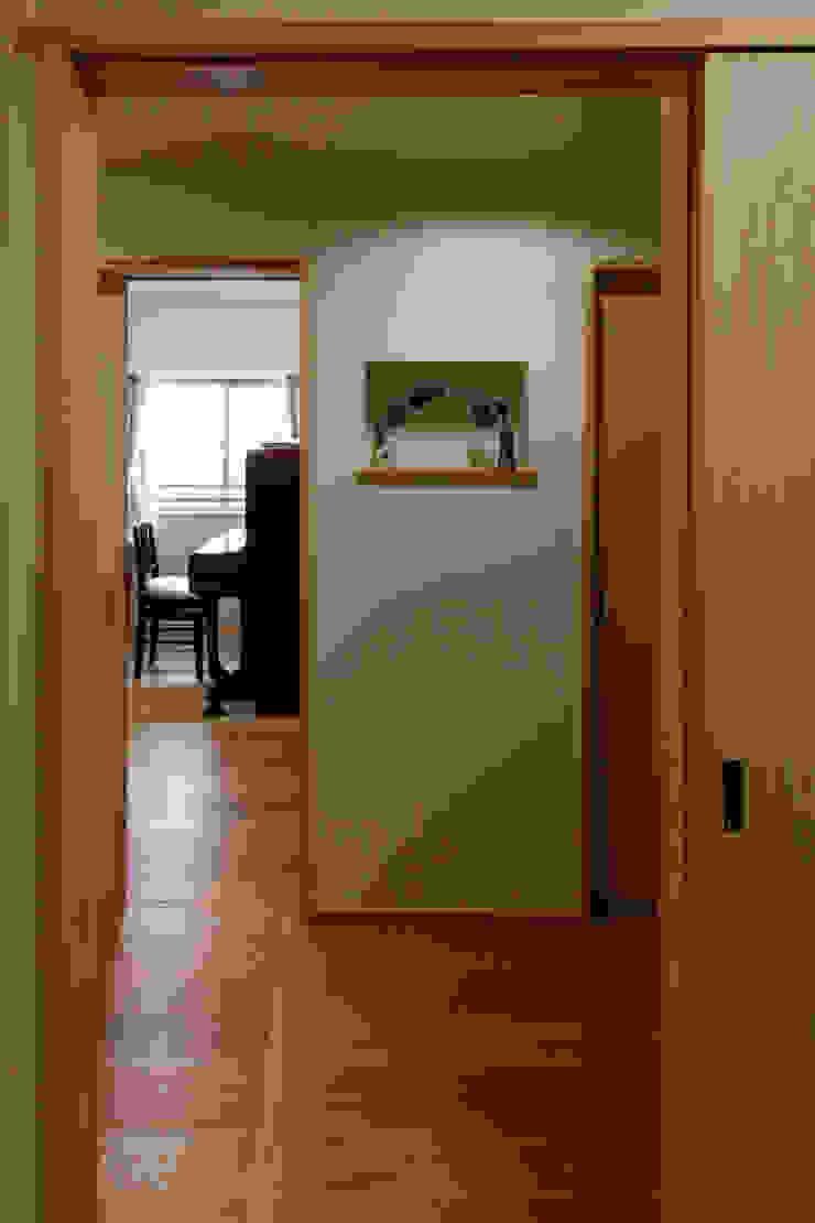 Modern study/office by 中山建築設計事務所 Modern Wood Wood effect