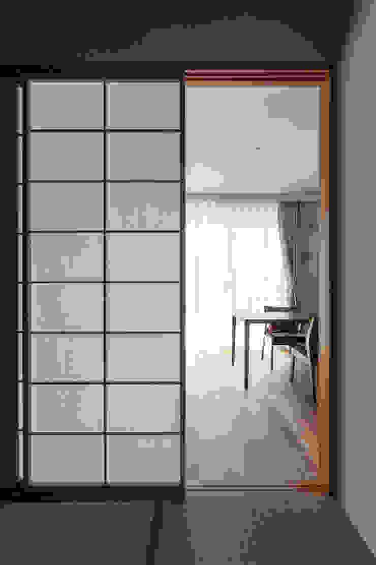 Modern media room by 中山建築設計事務所 Modern Wood Wood effect