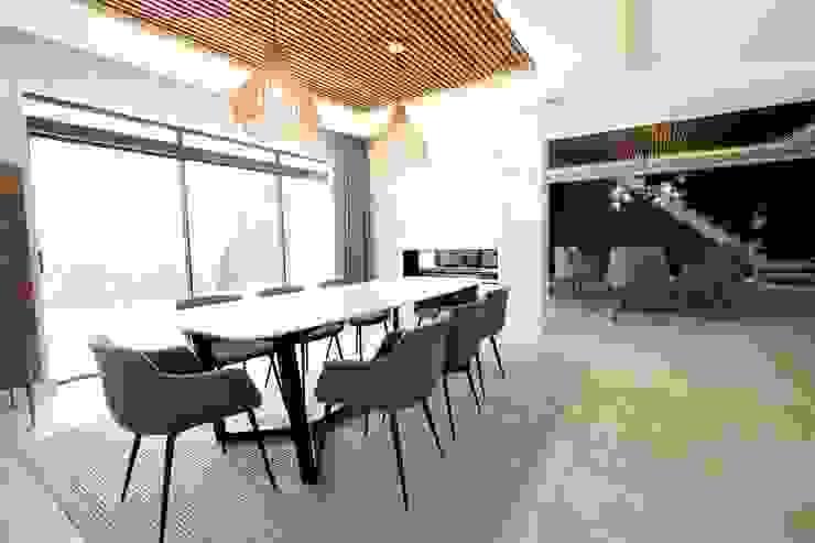 Phòng ăn phong cách tối giản bởi JSD Interiors Tối giản Gỗ Wood effect