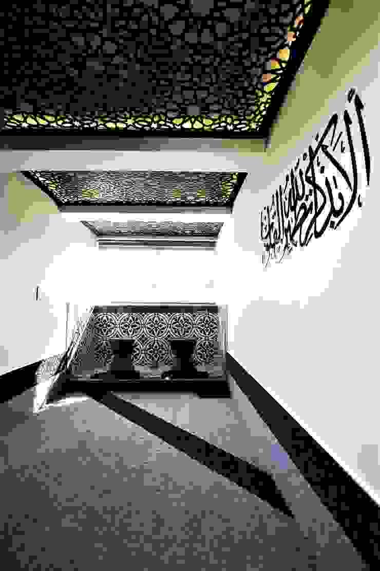 Nhà kính phong cách hiện đại bởi JSD Interiors Hiện đại Gỗ Wood effect
