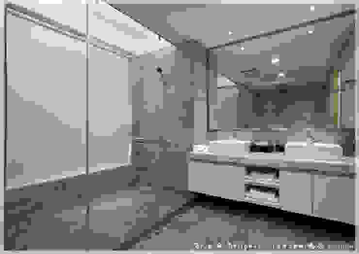 衛浴/浴室/主臥/玻璃拉門/休閒風 木博士團隊/動念室內設計制作 現代浴室設計點子、靈感&圖片