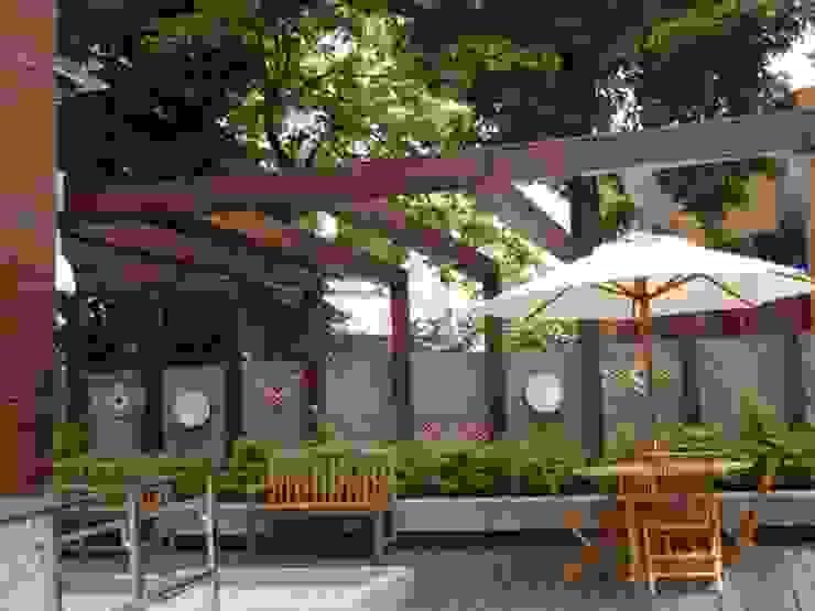 戶外空間也帶有濃濃原住民元素風格 根據 安居住宅有限公司 日式風、東方風 木頭 Wood effect