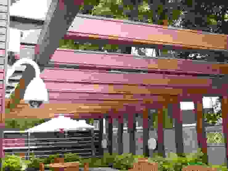 木頭外表內是鋼製結構 根據 安居住宅有限公司 日式風、東方風