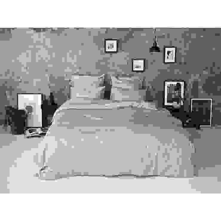 Sateen Duvet Set - Light grey: scandinavian  by Bedroommood, Scandinavian Cotton Red