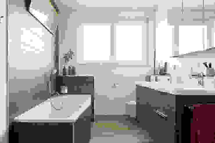 Stilvoll und gemütlich - Bad in Holzoptik von Banovo GmbH ...