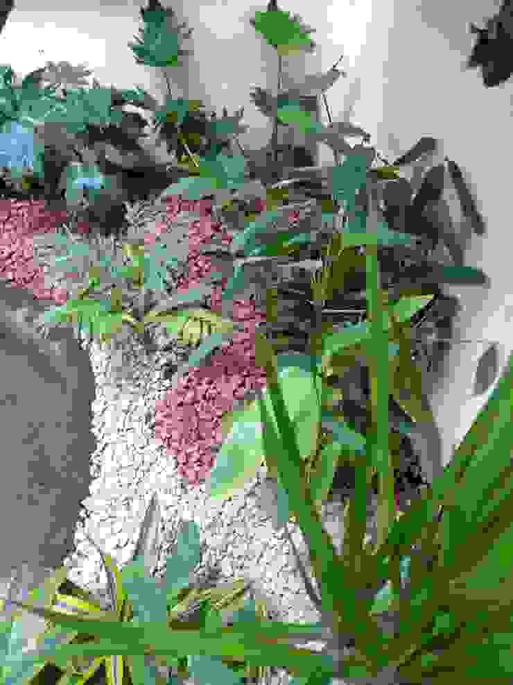 Patio interior Hospital Lucio Córdoba Jardines de invierno de estilo moderno de Naturae EIRL Moderno