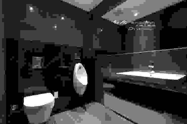 浴室/衛浴/浴下櫃 現代浴室設計點子、靈感&圖片 根據 木博士團隊/動念室內設計制作 現代風