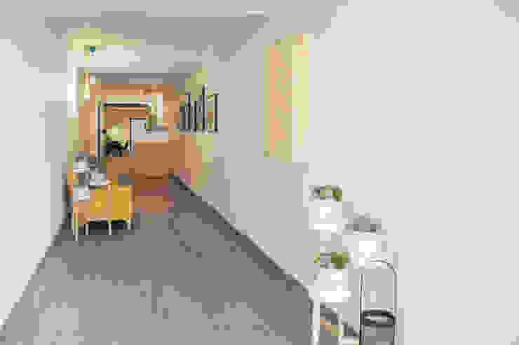 Soc Dansa Espacios comerciales de estilo moderno de Estudi Aura, decoradores y diseñadores de interiores en Barcelona Moderno
