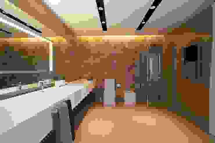 Baños de estilo moderno de Design Studio Yuriy Zimenko Moderno Azulejos
