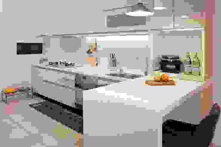 Scandinavian style kitchen by 酒窩設計 Dimple Interior Design Scandinavian Wood-Plastic Composite