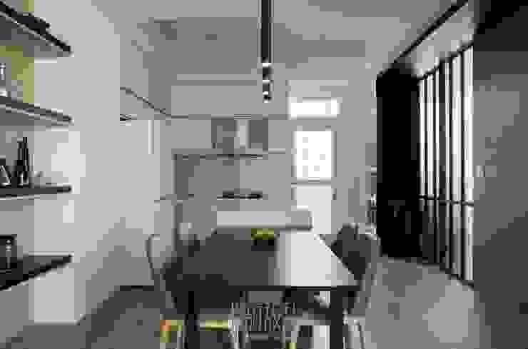 黑白餐廚區 根據 湘頡設計 簡約風